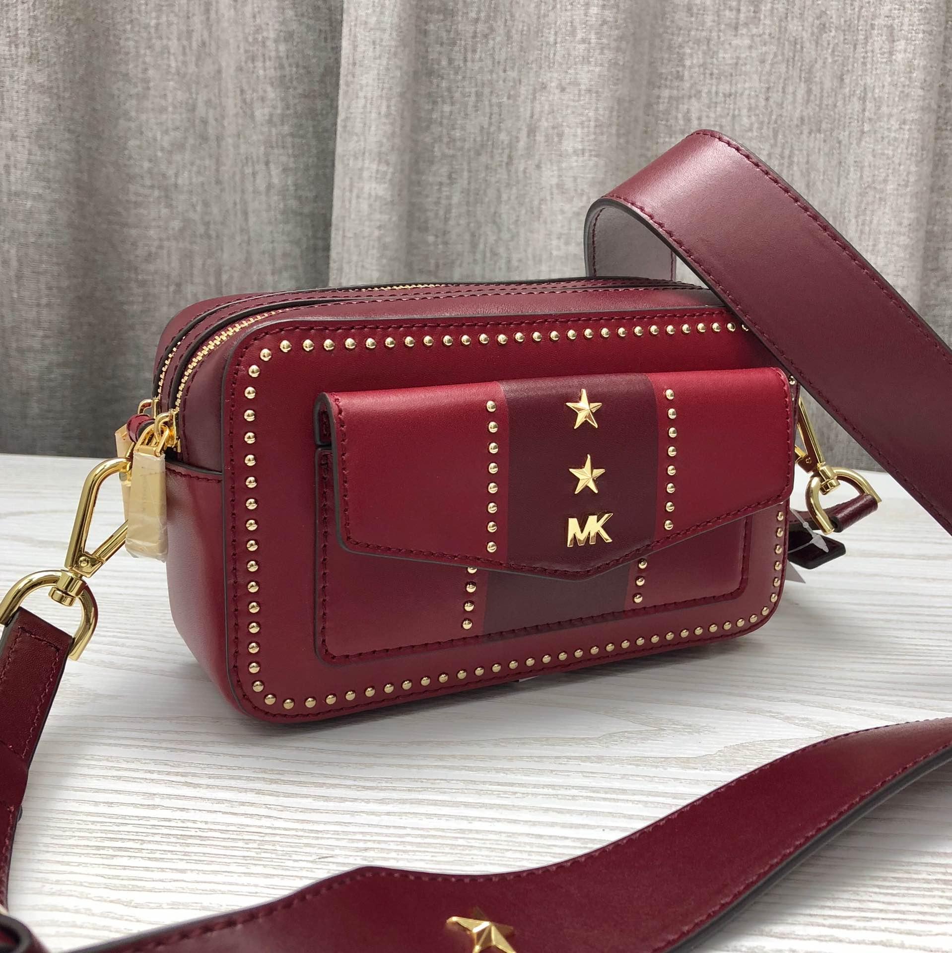 MK2019新款女包 迈克科尔斯拼色牛皮星星装饰相机包单肩斜挎包包19CM 红色