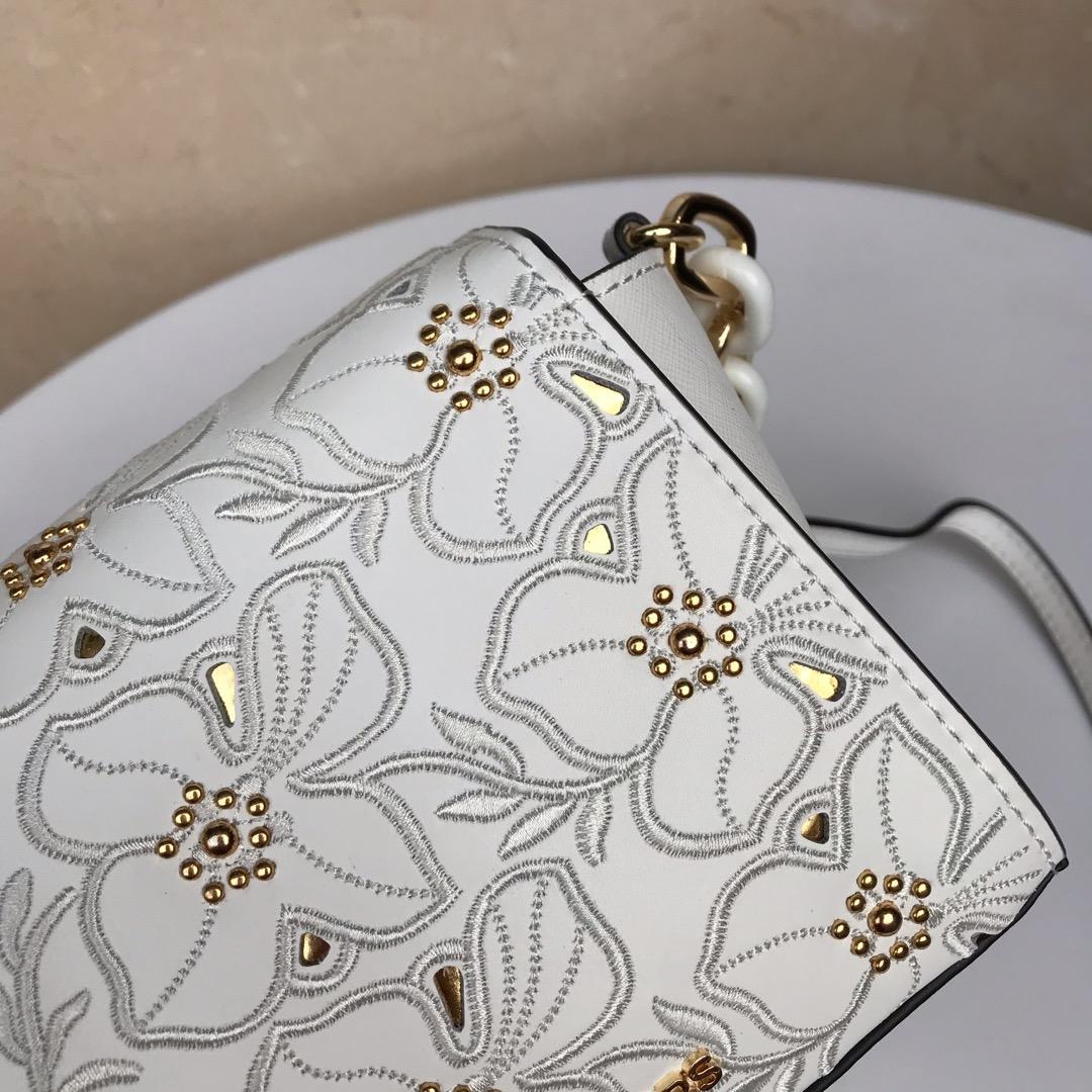迈克高仕新款女包 MK迷你小包 原单十字纹牛皮刺绣花朵链条单肩包18CM 白色
