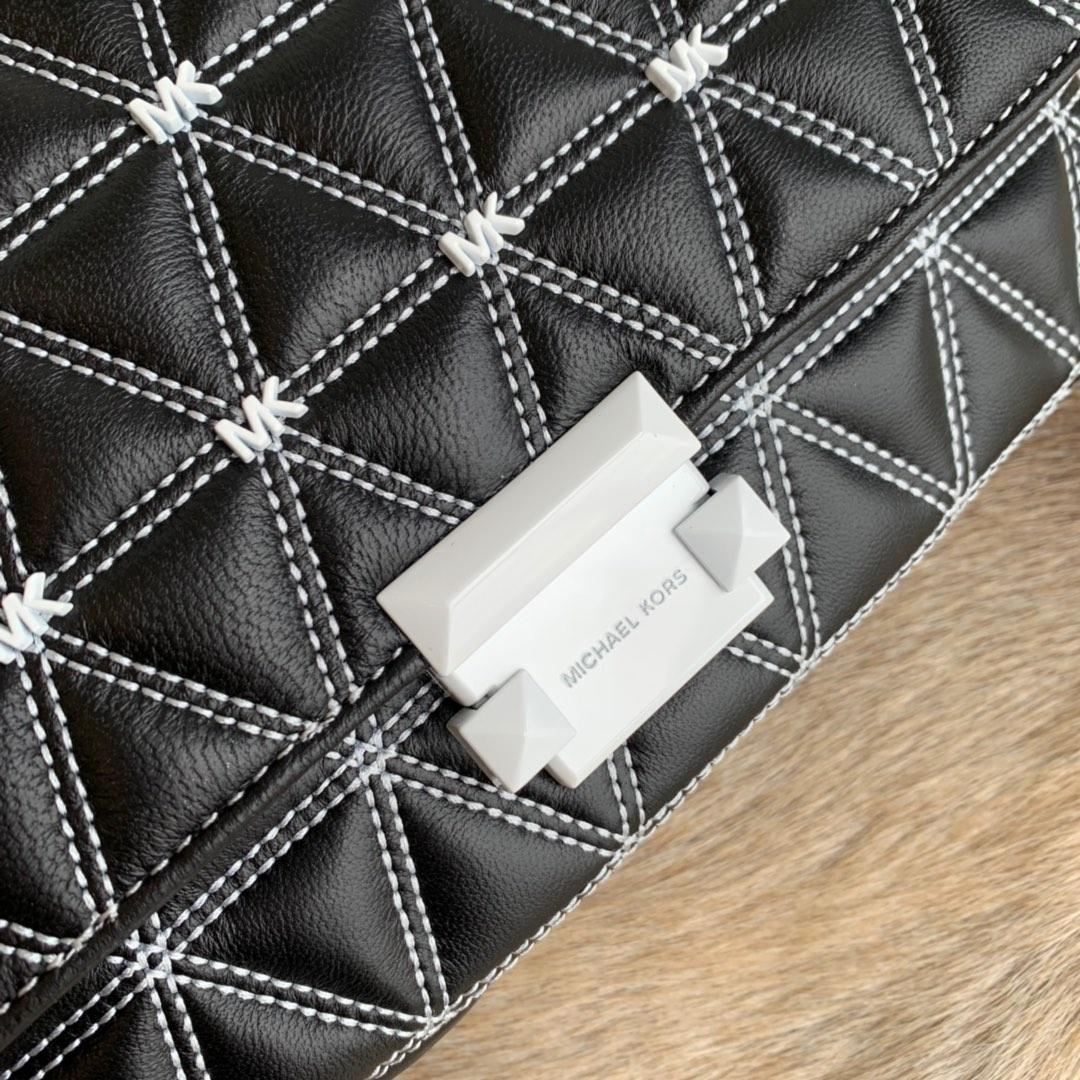 MK包包批发 迈克高仕MK黑色羊皮字母点缀三角菱格链条包斜挎女包25CM